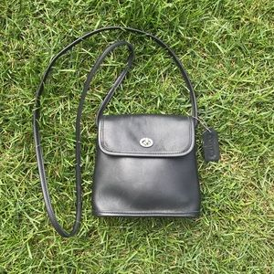 Coach Vintage Tango Black Leather Purse Bag 9049